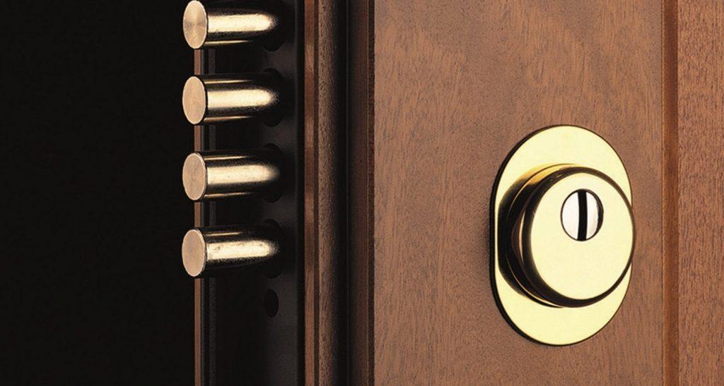 Sostituzione del cilindro o della serratura